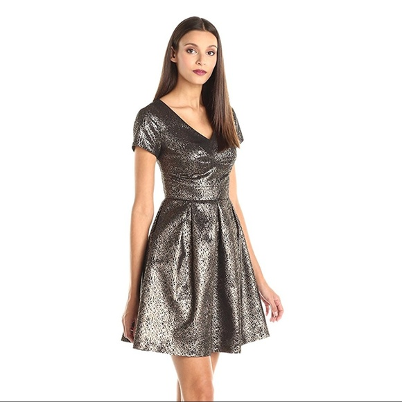 Vince Camuto Dresses & Skirts - NEW $159 Vince Camuto Lurex Jacquard Dress 0